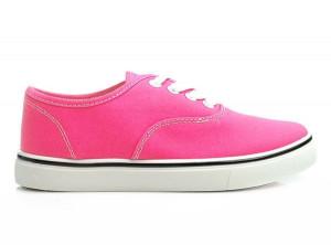 Zářivé růžové tenisky