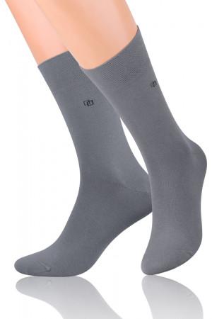 Hladké pánské ponožky s jemným vzorem 056 šedá 42-44
