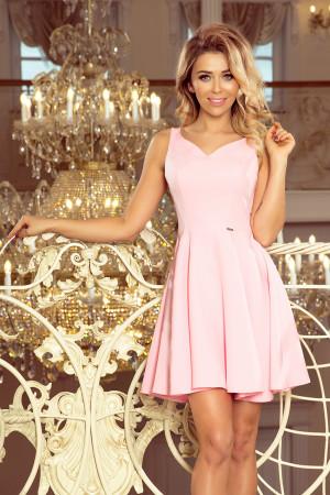 Rozšířené dámské šaty v pastelově růžové barvě s výstřihem ve tvaru srdíčka MM 014-10