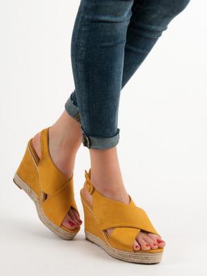 Jedinečné dámské  sandály zlaté na klínku