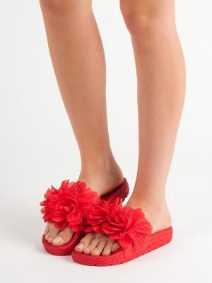 Trendy dámské červené  nazouváky bez podpatku