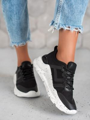 Trendy černé dámské  tenisky bez podpatku