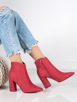 Klasické  kotníčkové boty červené dámské na širokém podpatku