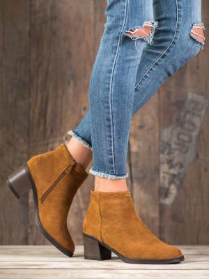 Exkluzívní hnědé  kotníčkové boty dámské na širokém podpatku