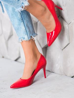 Krásné červené dámské  lodičky na jehlovém podpatku