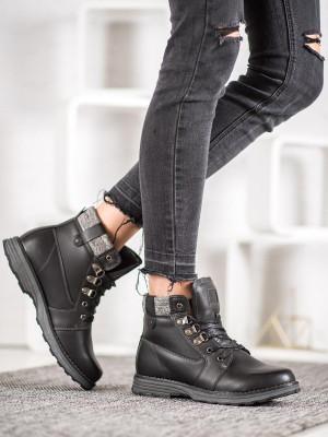 Praktické dámské  kotníčkové boty černé na plochém podpatku