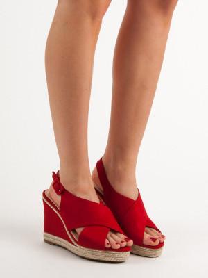 Klasické dámské  sandály červené na klínku