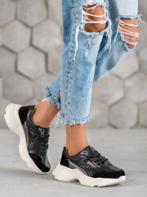 Jedinečné  tenisky černé dámské na plochém podpatku