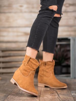 Designové hnědé dámské  kotníčkové boty na plochém podpatku