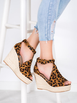 Krásné dámské  sandály se zvířecím motivem na klínku