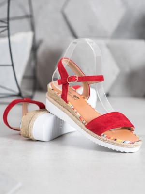 Krásné  sandály červené dámské na klínku