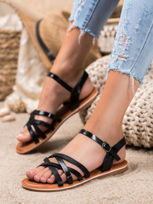 Pěkné dámské černé  sandály bez podpatku