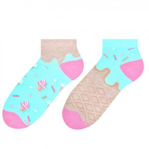 Krátké asymetrické dámské ponožky 034