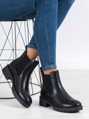Designové černé  kotníčkové boty dámské na plochém podpatku