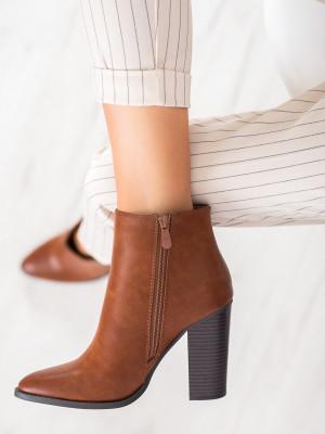 Stylové dámské  kotníčkové boty hnědé na širokém podpatku