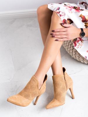 Komfortní hnědé  kotníčkové boty dámské na jehlovém podpatku