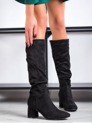 Klasické dámské černé  kozačky na širokém podpatku