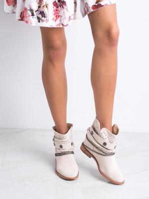 Originální hnědé dámské  kotníčkové boty na klínku