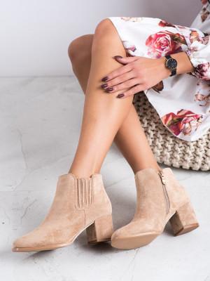 Pohodlné dámské hnědé  kotníčkové boty na širokém podpatku