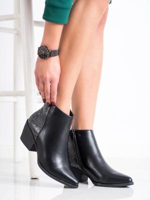 Moderní černé dámské  kotníčkové boty na širokém podpatku