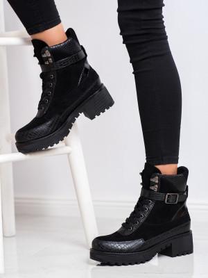 Komfortní dámské černé  kotníčkové boty na širokém podpatku
