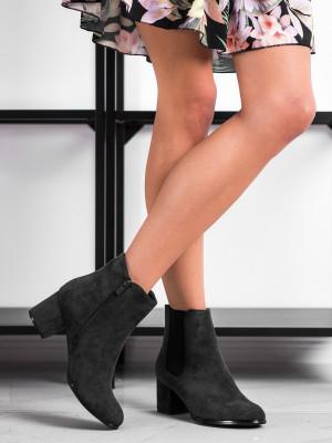 Stylové  kotníčkové boty dámské černé na širokém podpatku