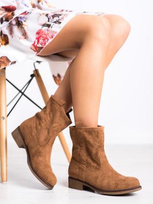 Zajímavé hnědé  kotníčkové boty dámské na plochém podpatku