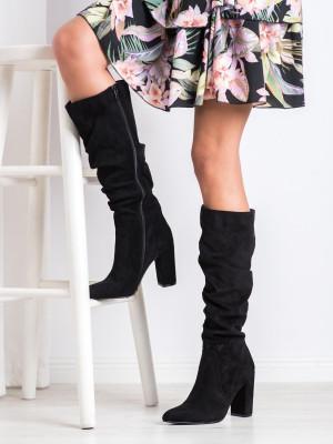Designové černé  kozačky dámské na širokém podpatku