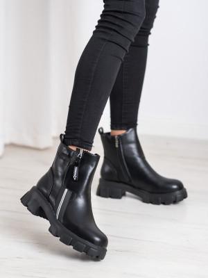 Originální dámské  kotníčkové boty černé na širokém podpatku