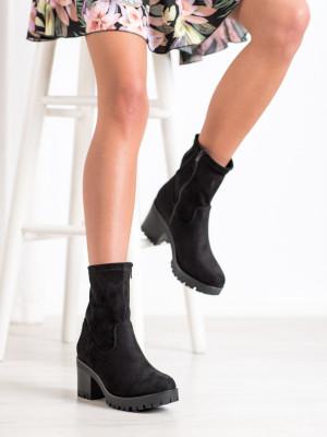 Exkluzívní  kotníčkové boty černé dámské na širokém podpatku