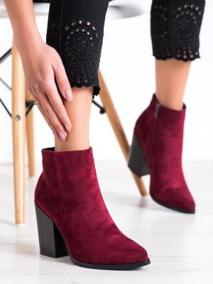 Exkluzívní dámské červené  kotníčkové boty na širokém podpatku