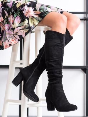Výborné dámské černé  kozačky na širokém podpatku
