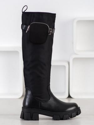 Zajímavé  kozačky dámské černé na plochém podpatku