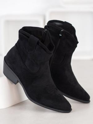 Pěkné dámské  kotníčkové boty černé na širokém podpatku