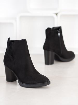 Luxusní černé dámské  kotníčkové boty na širokém podpatku