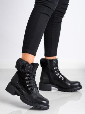 Praktické dámské  kotníčkové boty černé na širokém podpatku