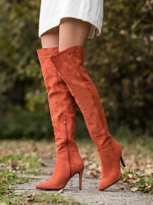 Moderní  kozačky oranžové dámské na jehlovém podpatku