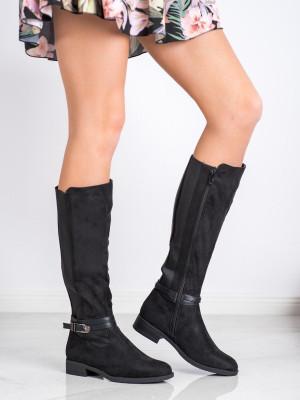 Pohodlné černé  kozačky dámské na plochém podpatku