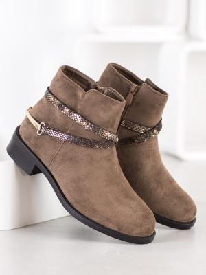 Jedinečné  kotníčkové boty hnědé dámské na plochém podpatku