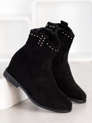 Komfortní  kotníčkové boty černé dámské na klínku