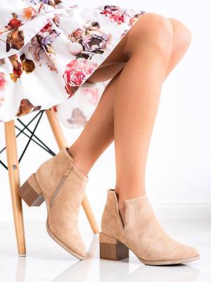 Praktické dámské hnědé  kotníčkové boty na širokém podpatku