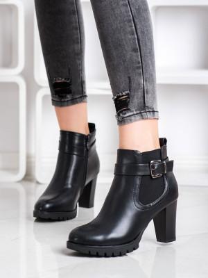 Zajímavé  kotníčkové boty černé dámské na širokém podpatku