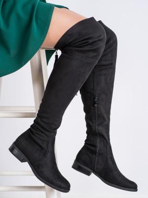 Originální černé dámské  kozačky na plochém podpatku