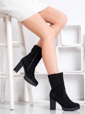 Trendy  kotníčkové boty černé dámské na širokém podpatku
