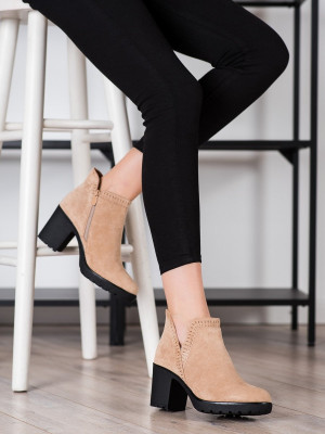 Módní hnědé  kotníčkové boty dámské na širokém podpatku