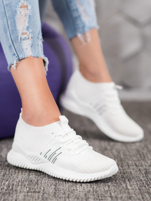 Krásné  tenisky bílé dámské bez podpatku