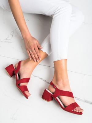 Designové červené dámské  sandály na širokém podpatku