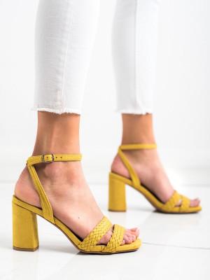 Jedinečné zlaté dámské  sandály na širokém podpatku