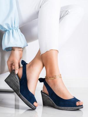 Moderní dámské modré  sandály na klínku