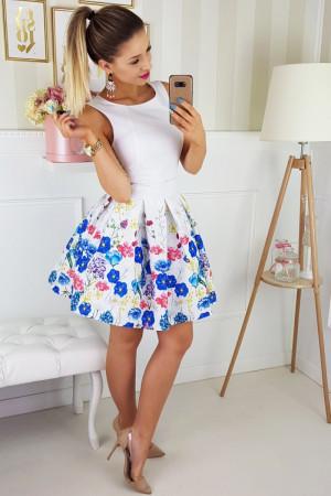 Dámské společenské šaty bez rukávů se skládanou sukní a páskem bílé - Bílá / 40 - Bicotone krémová s květinovým vzorem